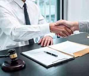 לעיתים יש לקבל החלטה עם מקצוען מנוסה שיתן לכם את העצה המשפטית והייצוג הנכון בבית המשפט