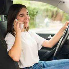 שימוש בטלפון בזמן נהיגה: המדריך השלם